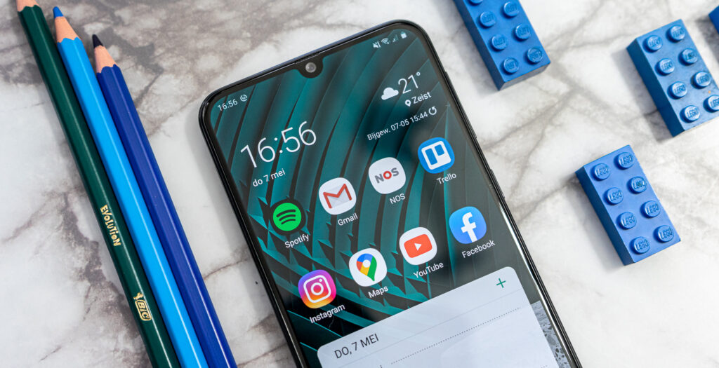 Samsung Galaxy M21 review notch