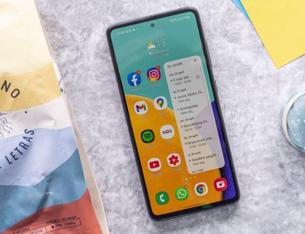 Samsung Galaxy A52 01